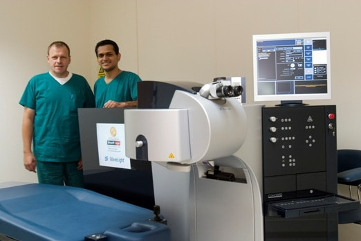 Dr-Anand-Shroff-and-Mr-Dietmar-Waltz-with-the-Concerto-laser
